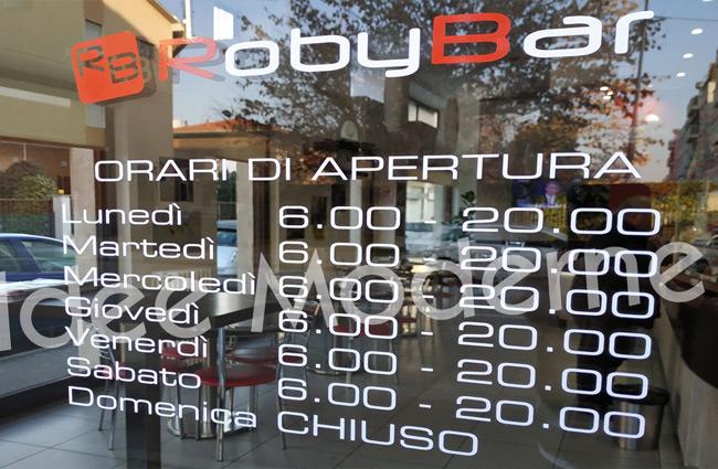 scritte-adesive-Milano-